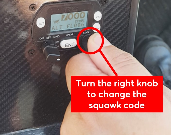 Turn the right knob to change the squawk code